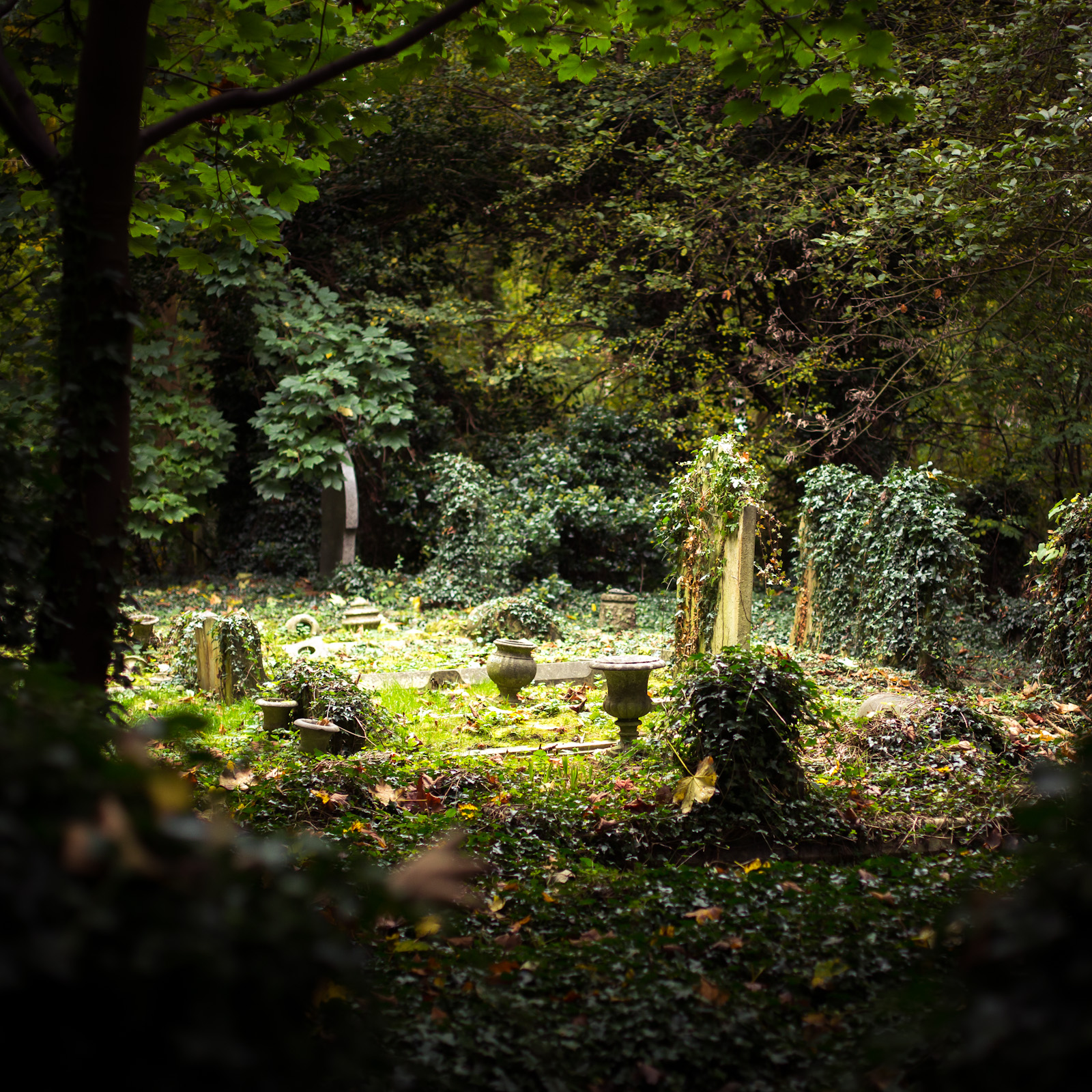 highgate cemetery  u2013 ben and viv u0026 39 s travels
